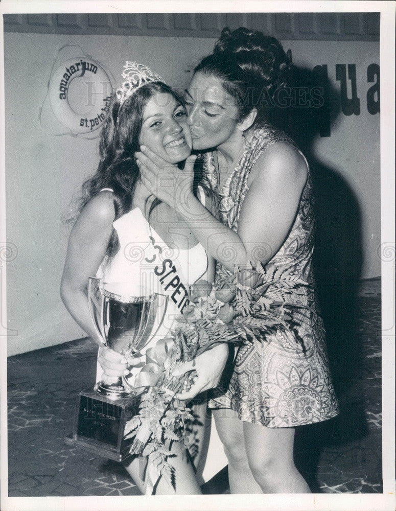1971 Miss St Petersburg Beach, Florida Donna Postorino & Mother Press Photo - Historic Images