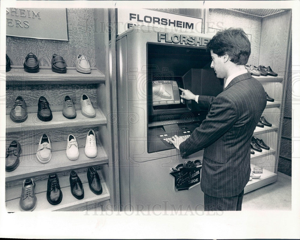 1987 Chicago, Illinois Florsheim Shoe President Ron Mueller Press Photo - Historic Images