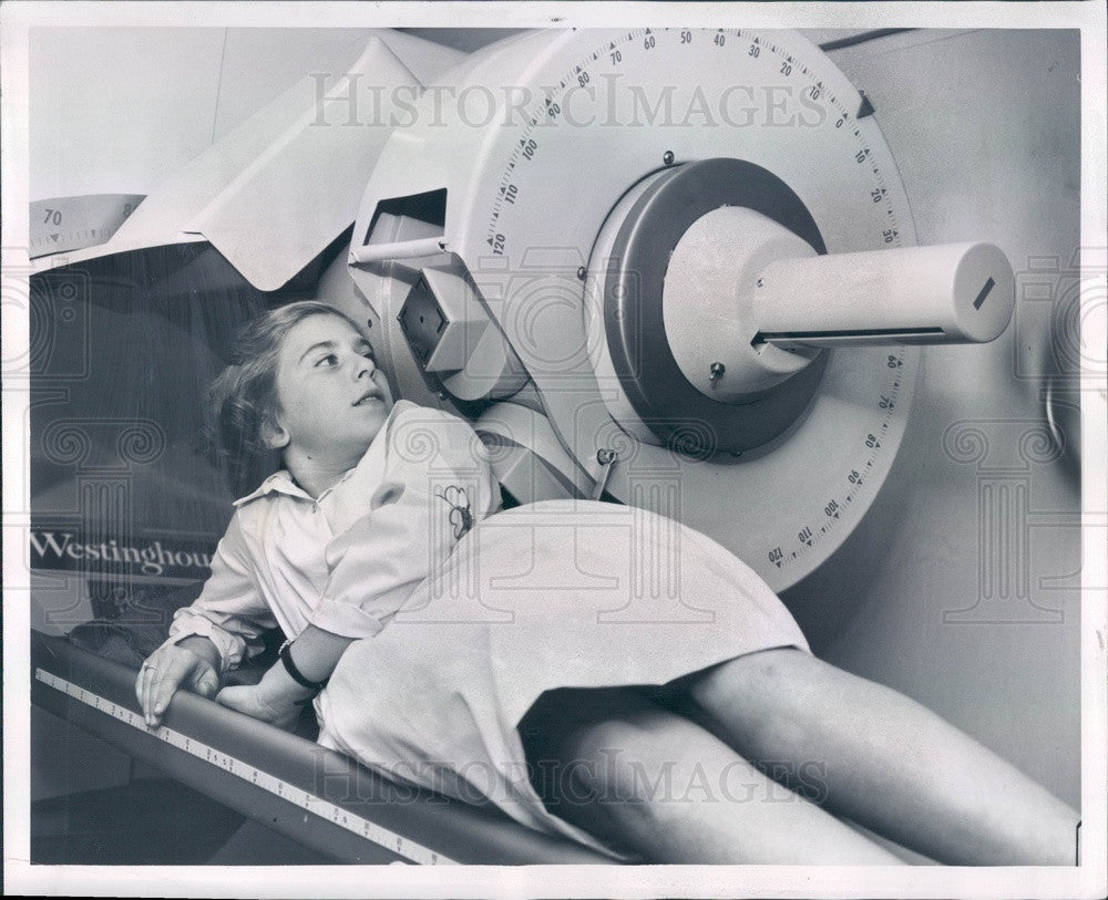 1958 Westinghouse Cesium Ring, Cancer Radiation Therapy Device Press Photo - Historic Images