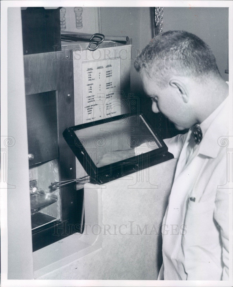 1959 Detroit, Michigan Cancer Researcher Richard Dudek Press Photo - Historic Images