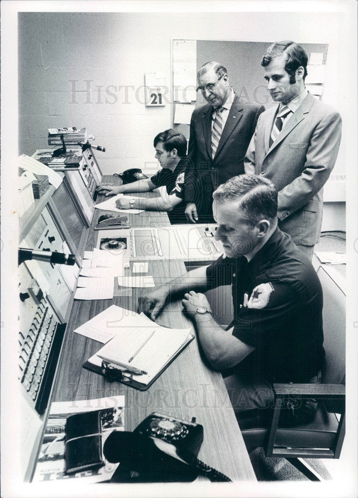 1971 Macomb County, Michigan Sheriff Lester Almstadt, John Hart Press Photo - Historic Images