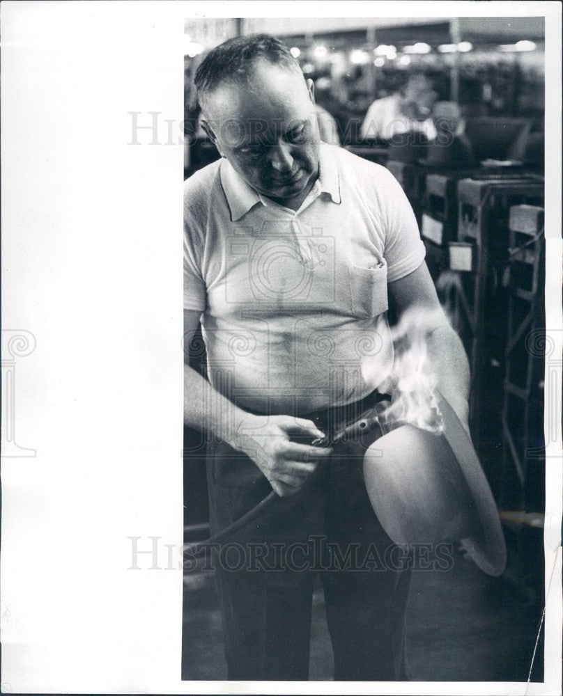 1965 LBJ Hat Maker, Singeing To Remove Hairs From Beaver Pelt Press Photo - Historic Images