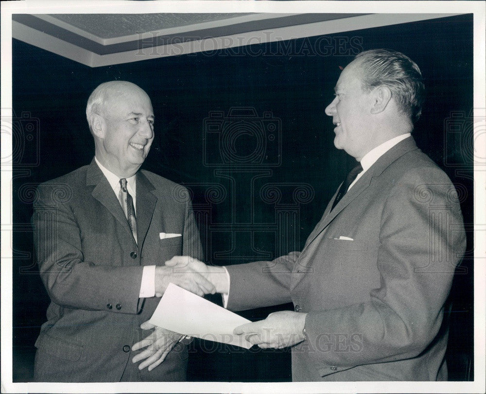 1965 Palatine, Illinois Pure Oil Co President Robert Milligan Press Photo - Historic Images