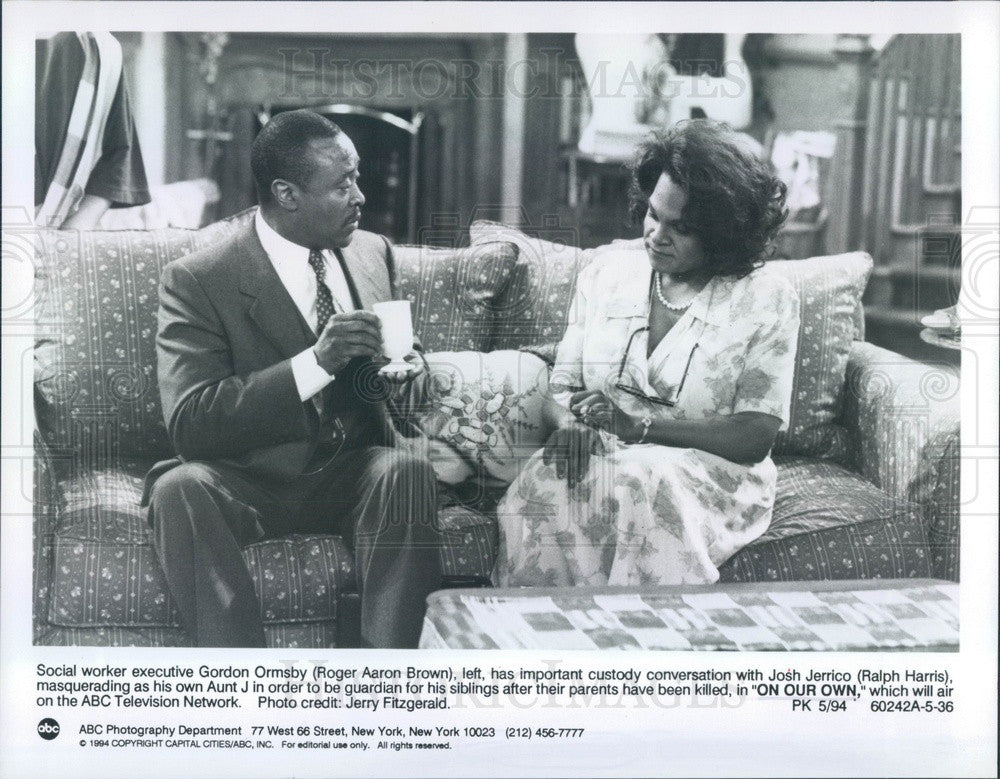 1994 Actors Roger Aaron Brown & Ralph Harris TV Show On Our Own Press Photo - Historic Images
