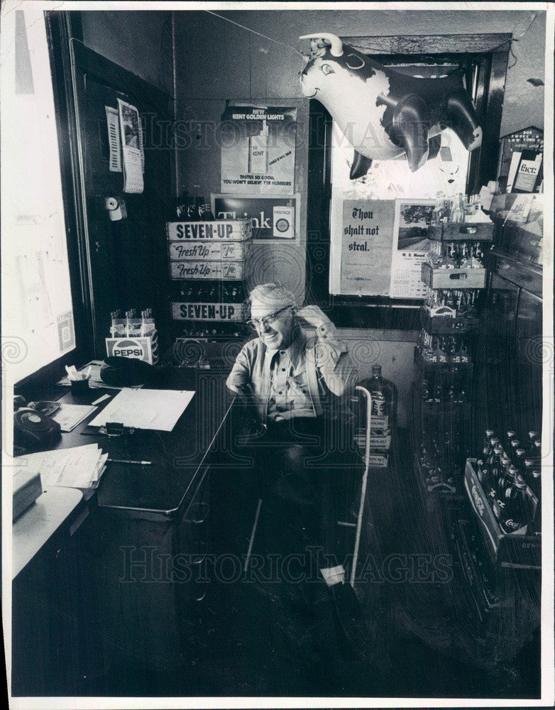 1976 Glendale, Colorado Service Station Owner Bob Gilmour Press Photo - Historic Images