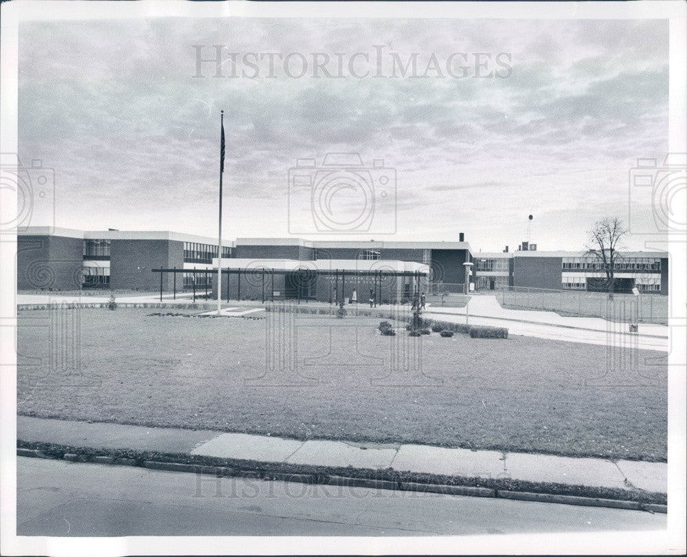 1968 Detroit, Michigan Martin Luther King Jr High School Press Photo - Historic Images
