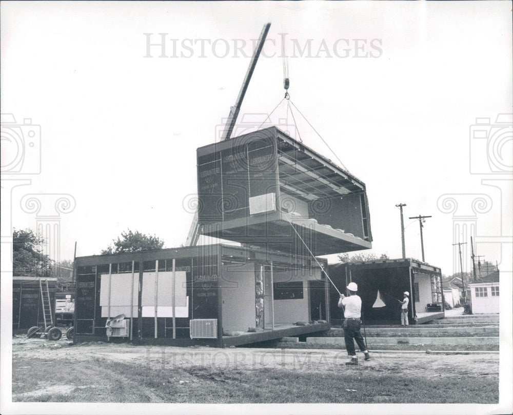 1970 Detroit, Michigan Holmes School Modular Addition Installed Press Photo - Historic Images