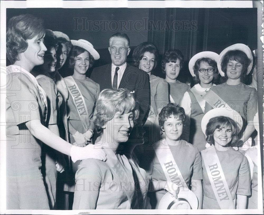 1963 Michigan Governor George Romney & The Romney Girls Press Photo - Historic Images