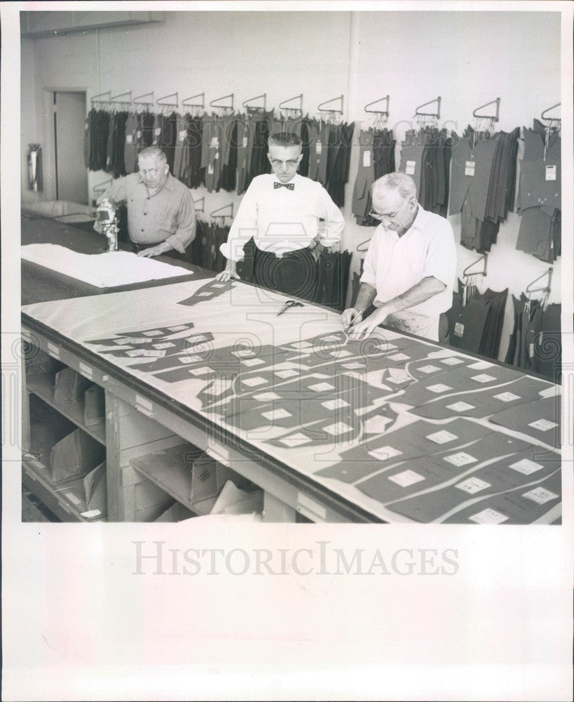 1957 St Petersburg, Florida Barcley Corset Co Plant Supt Walter Earl Press Photo - Historic Images