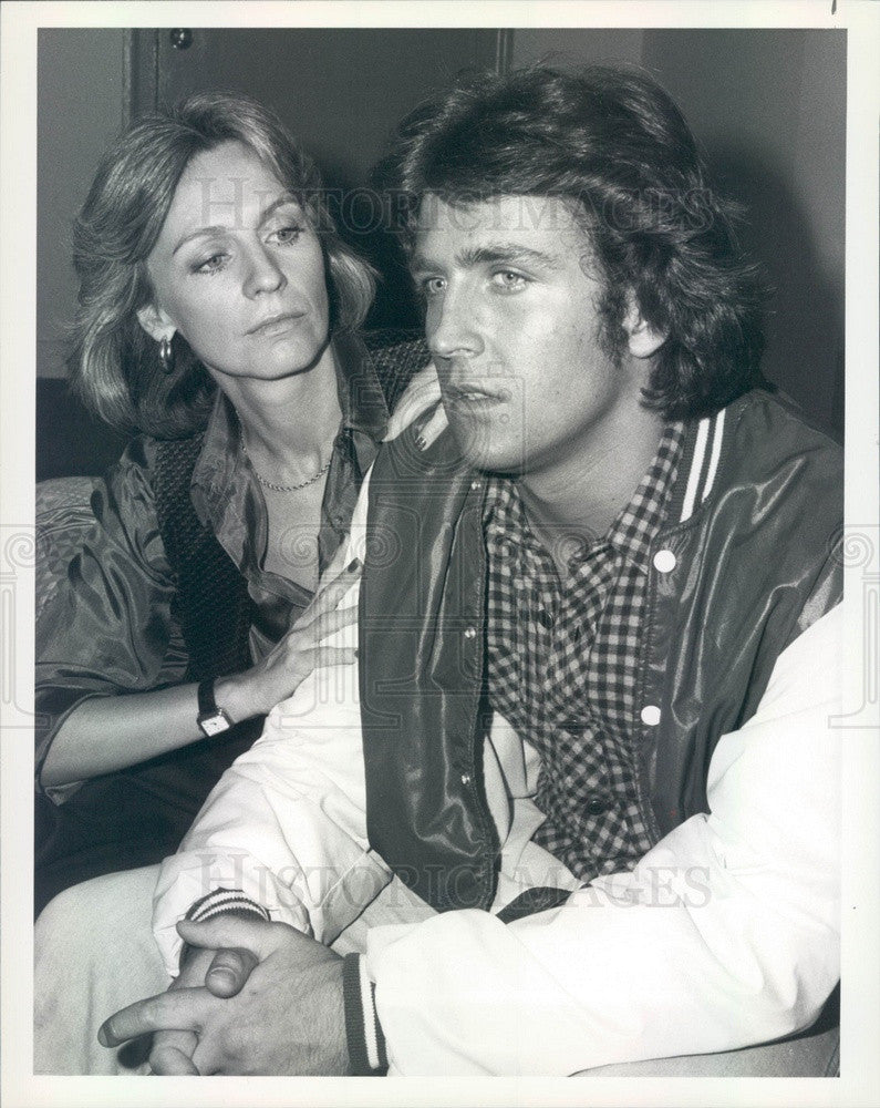 Undated Actors Joanna Miles & Philip Brown TV Show The Runaways Press Photo - Historic Images