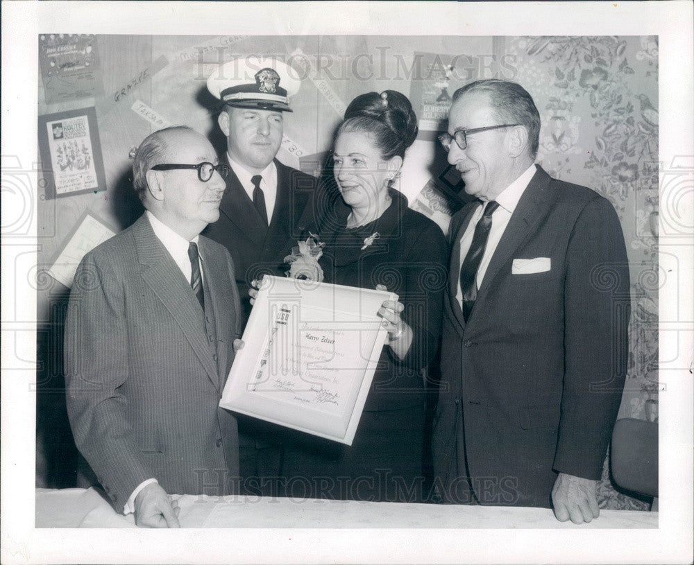 1963 Chicago, IL Allied Arts Pres Harry Zelzer, Gen William H Arnold Press Photo - Historic Images
