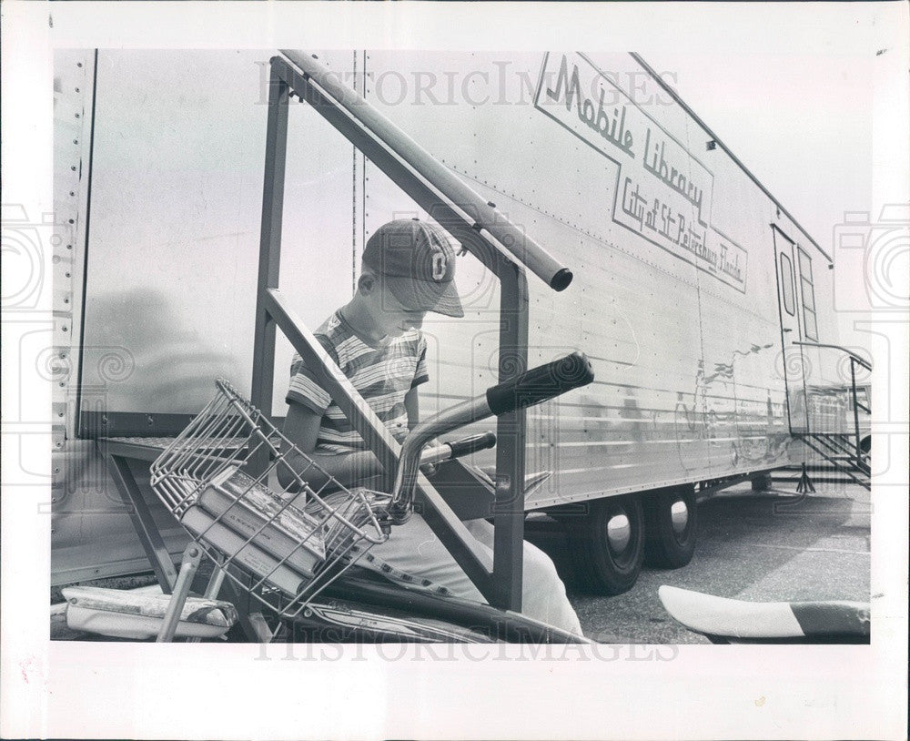 1963 St Petersburg, Florida Mobile Library, Kurt Fox Press Photo - Historic Images