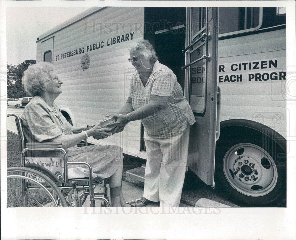 1981 St Petersburg, Florida Mobile Library, Senior Citizen Bookreach Press Photo - Historic Images