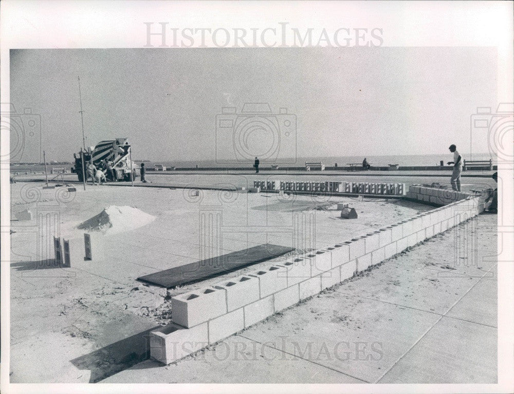 1968 St Petersburg, Florida Municipal Pier Construction Press Photo - Historic Images