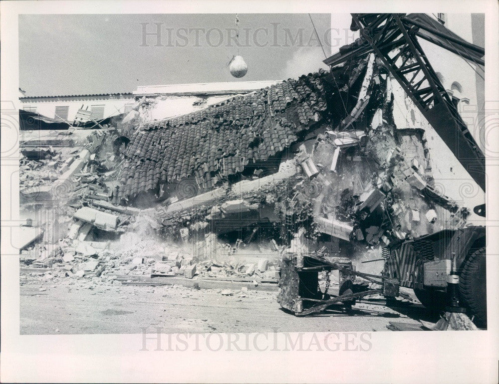 1967 St Petersburg, Florida Municipal Pier Casino Demolition Press Photo - Historic Images