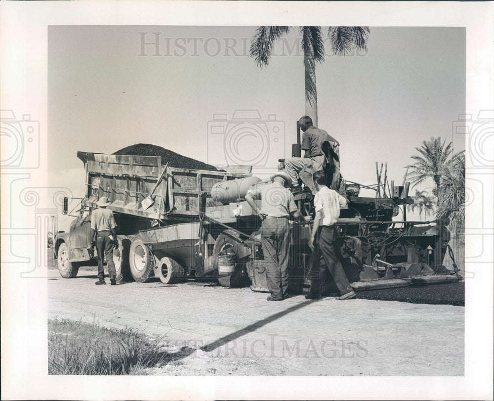 1965 Punta Gorda, Florida Retta Esplanade Street Leveling Press Photo - Historic Images