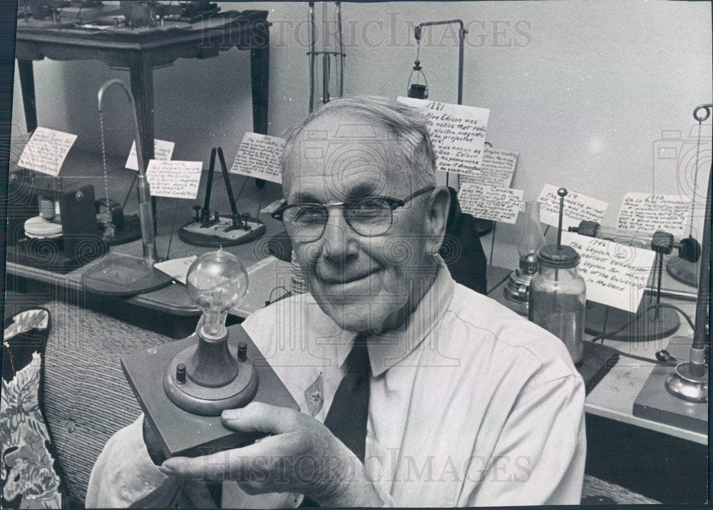 1963 Denver CO Engr John Metz & Repro of Edison First Electric Lamp Press Photo - Historic Images