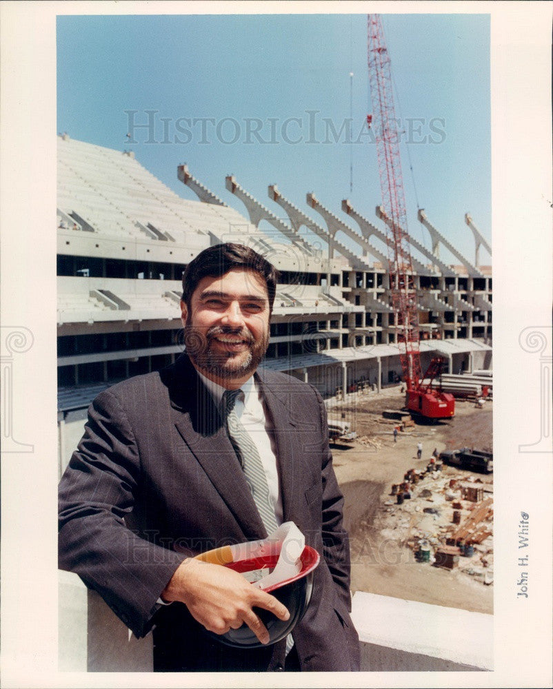 1990 Chicago, Illinois Architect Vince Ziolkowski, Comiskey Park Press Photo - Historic Images