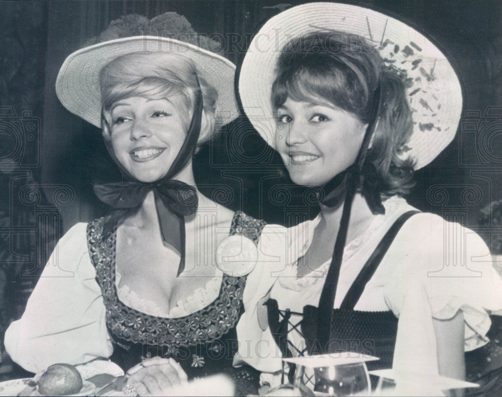1961 Miss Germany Romy Marz & Miss France Michele Wargner Press Photo - Historic Images