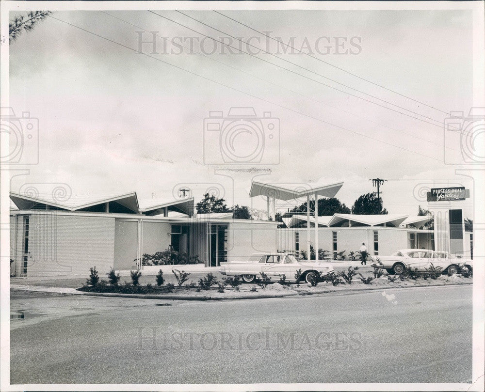 1960 Clearwater, Florida Professional Gardens Office Building Press Photo - Historic Images