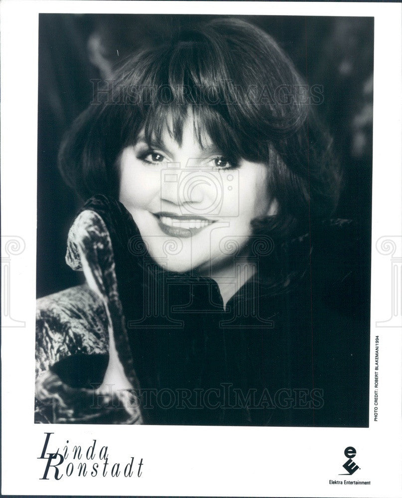 1996 American Pop Singer/Actress Linda Ronstadt Press Photo - Historic Images