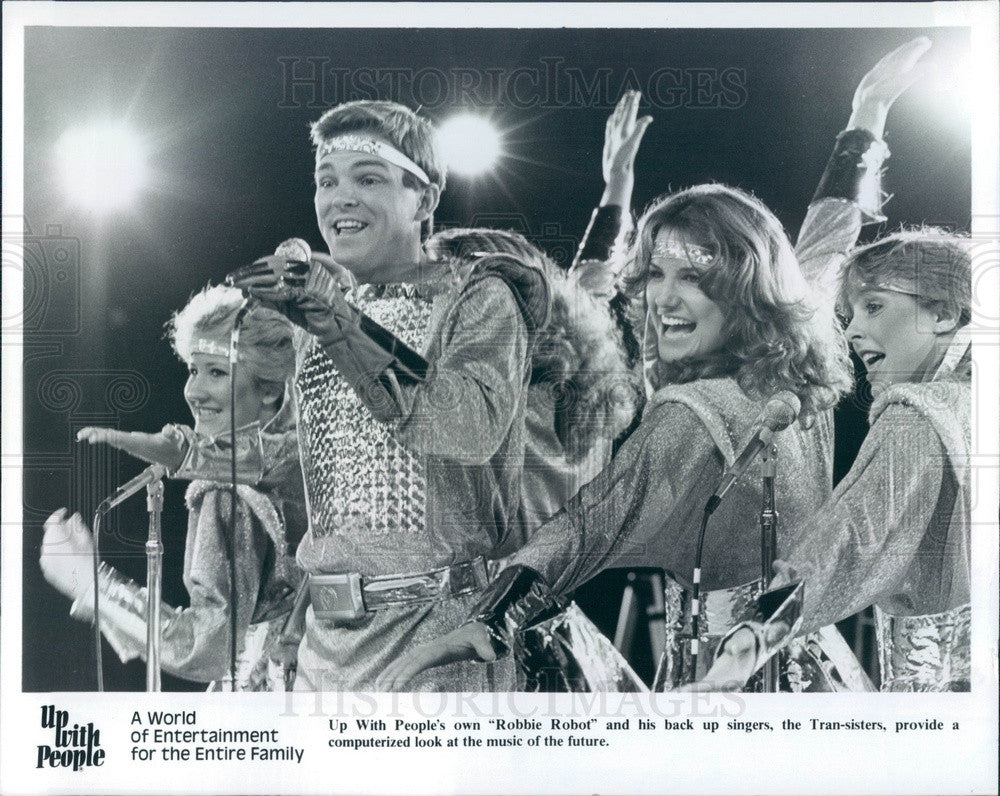 1984 Entertainers, Up With People Show Cast, Robbie Robot Press Photo - Historic Images