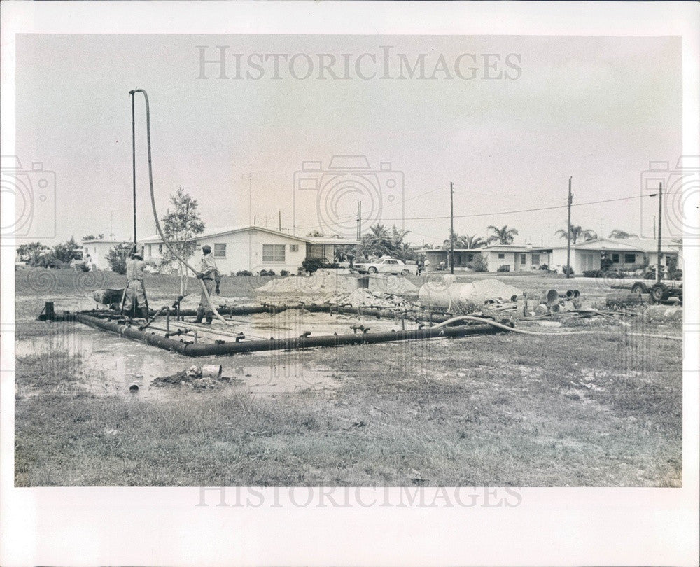 1966 Redington Shores, Florida Sewage Flow Meter Installation Press Photo - Historic Images