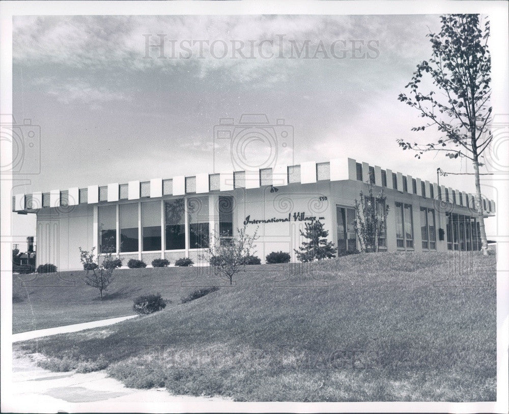 1964 Detroit, Michigan International Village Office Press Photo - Historic Images