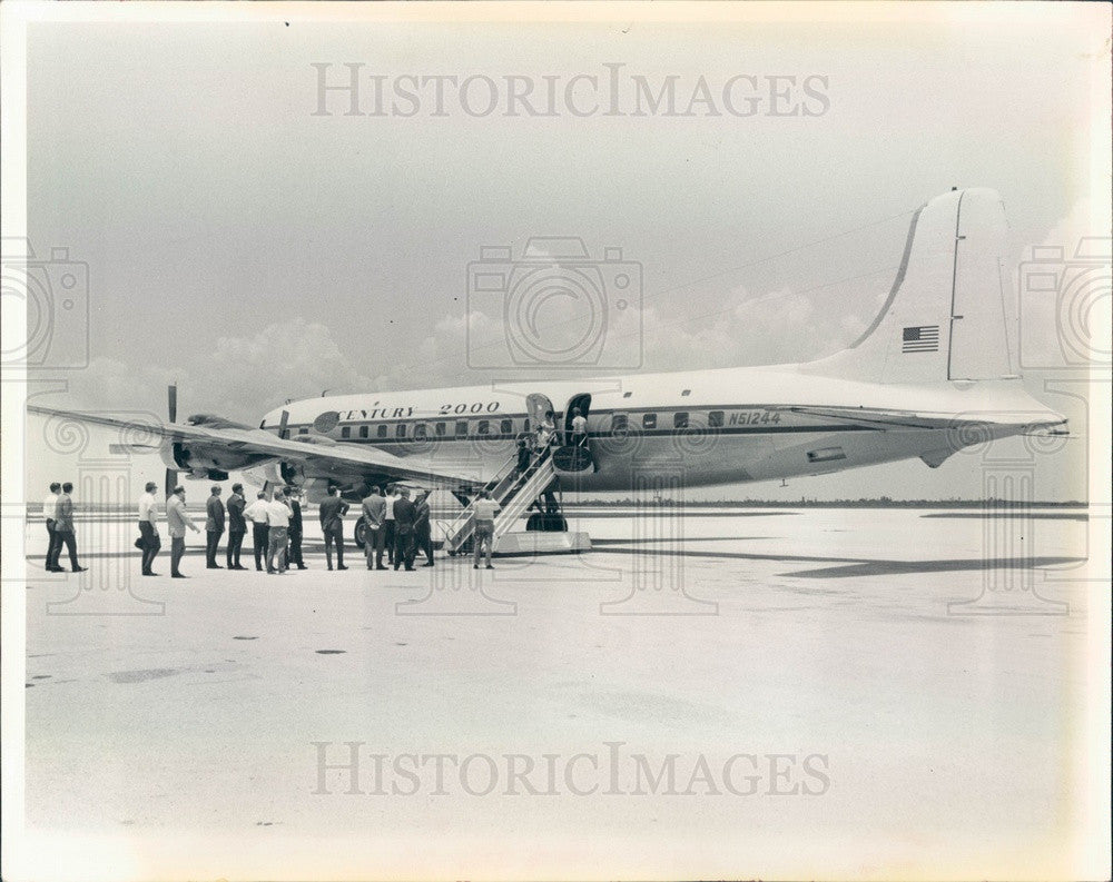 1967 St Petersburg, Florida Century 2000 Travel Club Jet & Members Press Photo - Historic Images