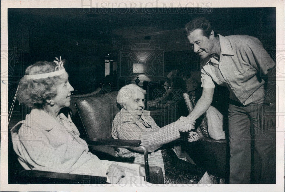 1976 Actor Don Ameche at St Petersburg, FL Maria Manor Nursing Home Press Photo - Historic Images