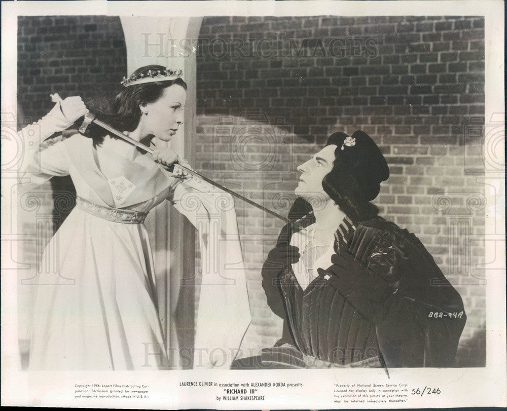 1957 Actors Sir Laurence Olivier & Claire Bloom in Richard III Press Photo - Historic Images