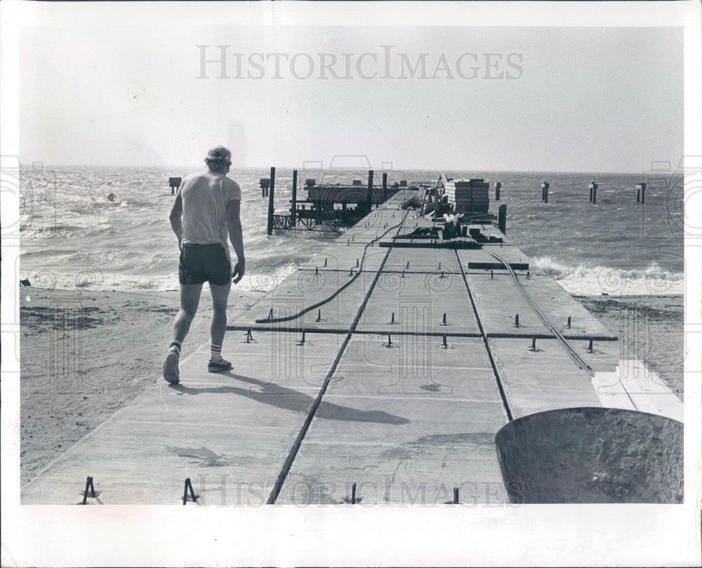 1984 Pinellas County, FL Fort De Soto Park Fishing Pier Construction Press Photo - Historic Images