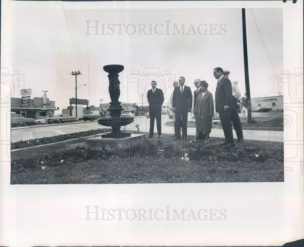1966 Madeira Beach, FL Fountain Dedication, 150th Ave & Gulf Blvd Press Photo - Historic Images