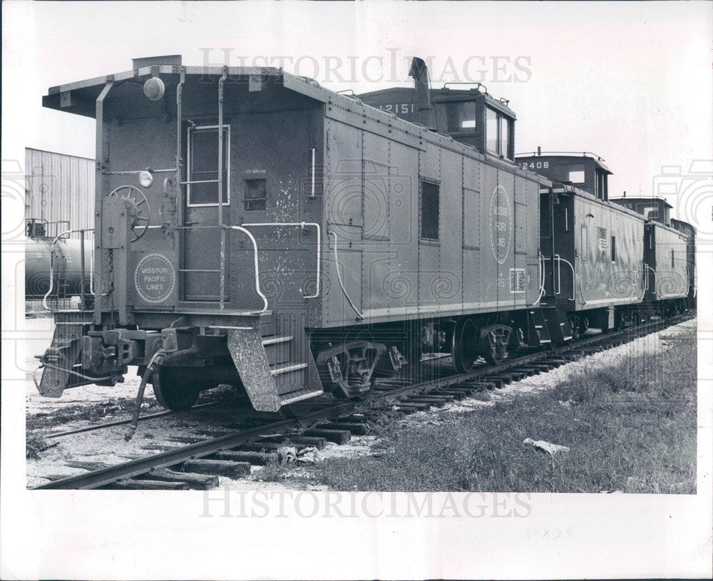 1982 Missouri Pacific Railroad Cabooses in St Petersburg, Florida Press Photo - Historic Images