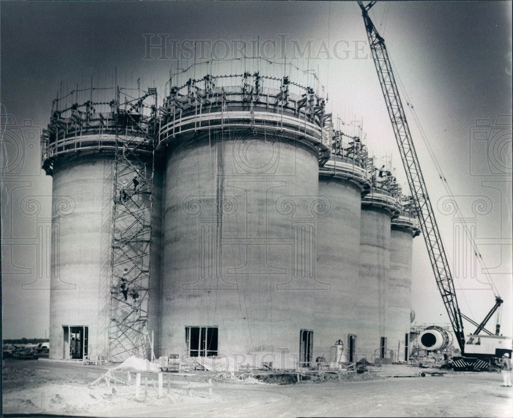 1977 Mulberry, Florida Phosphate Storage Silos Construction Press Photo - Historic Images
