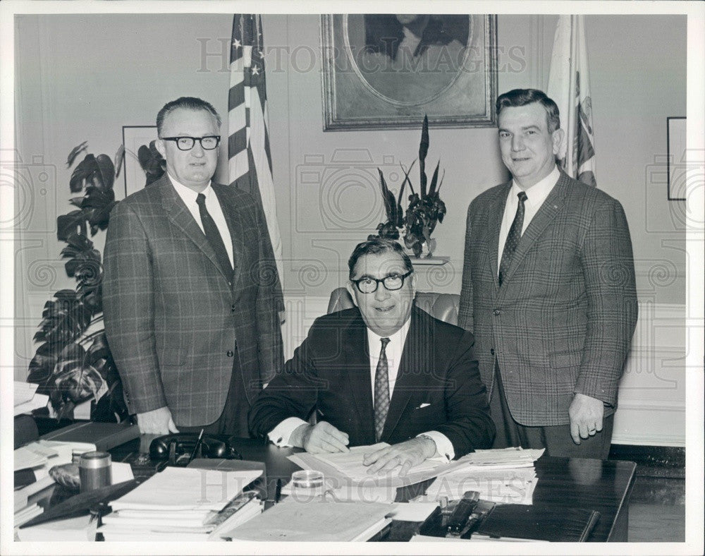 1969 Somerville, MA Mayor James Brennan, Kiwanis President Earl Pike Press Photo - Historic Images