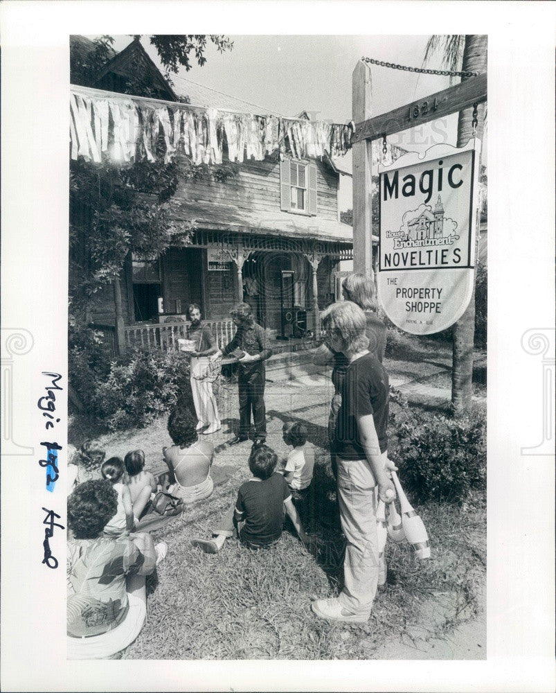 1983 Clearwater, Florida House of Enchantment Magic Shop Show Press Photo - Historic Images