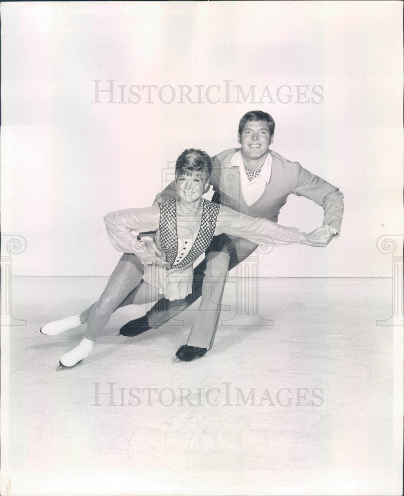 1969 American Ice Skaters Ronald & Cindy Kauffman Press Photo - Historic Images