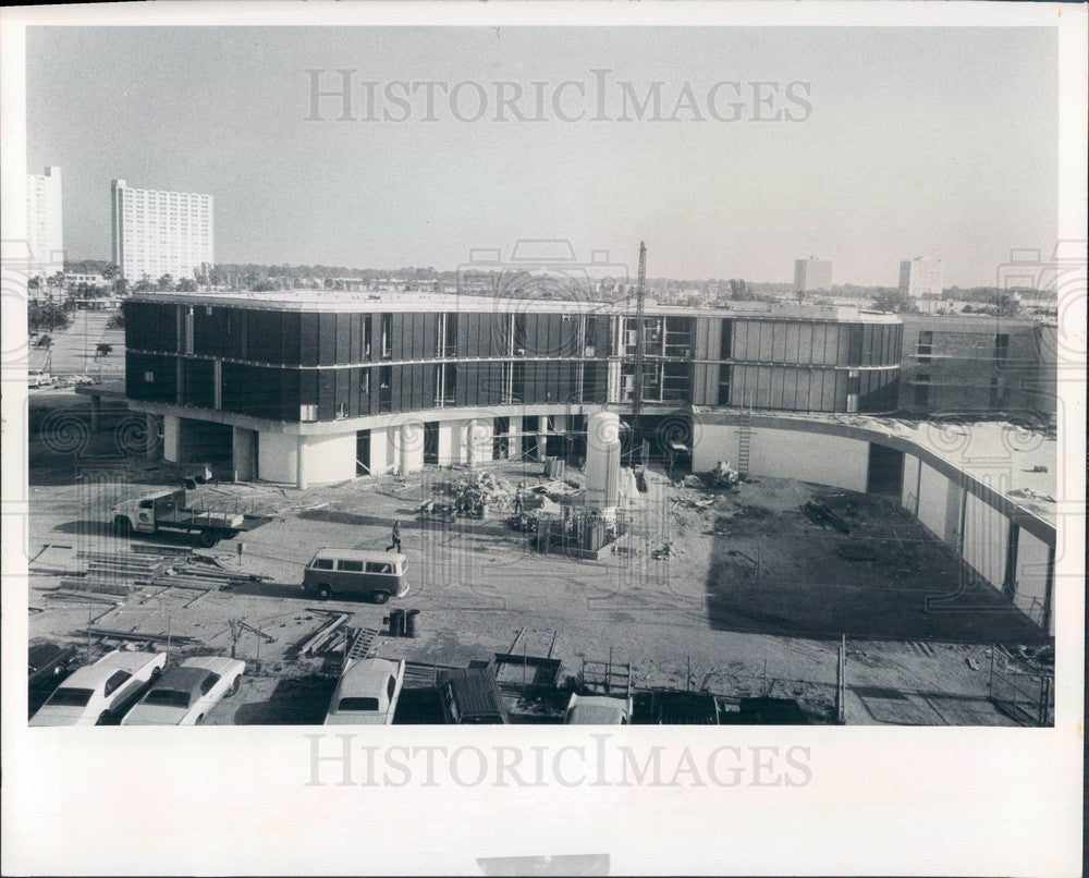 1974 St. Petersburg Florida Palms of Pasadena Hospital Addition Press Photo - Historic Images
