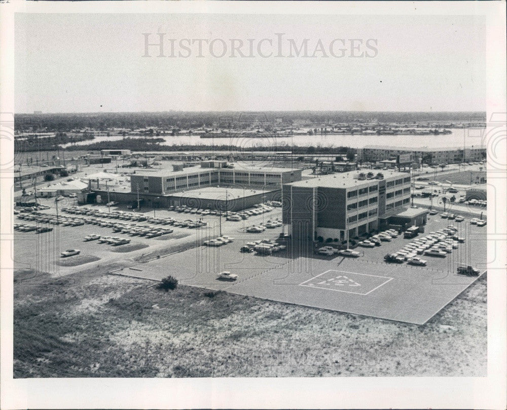 1968 St. Petersburg Florida Palms of Pasadena Hospital & Heliport Press Photo - Historic Images
