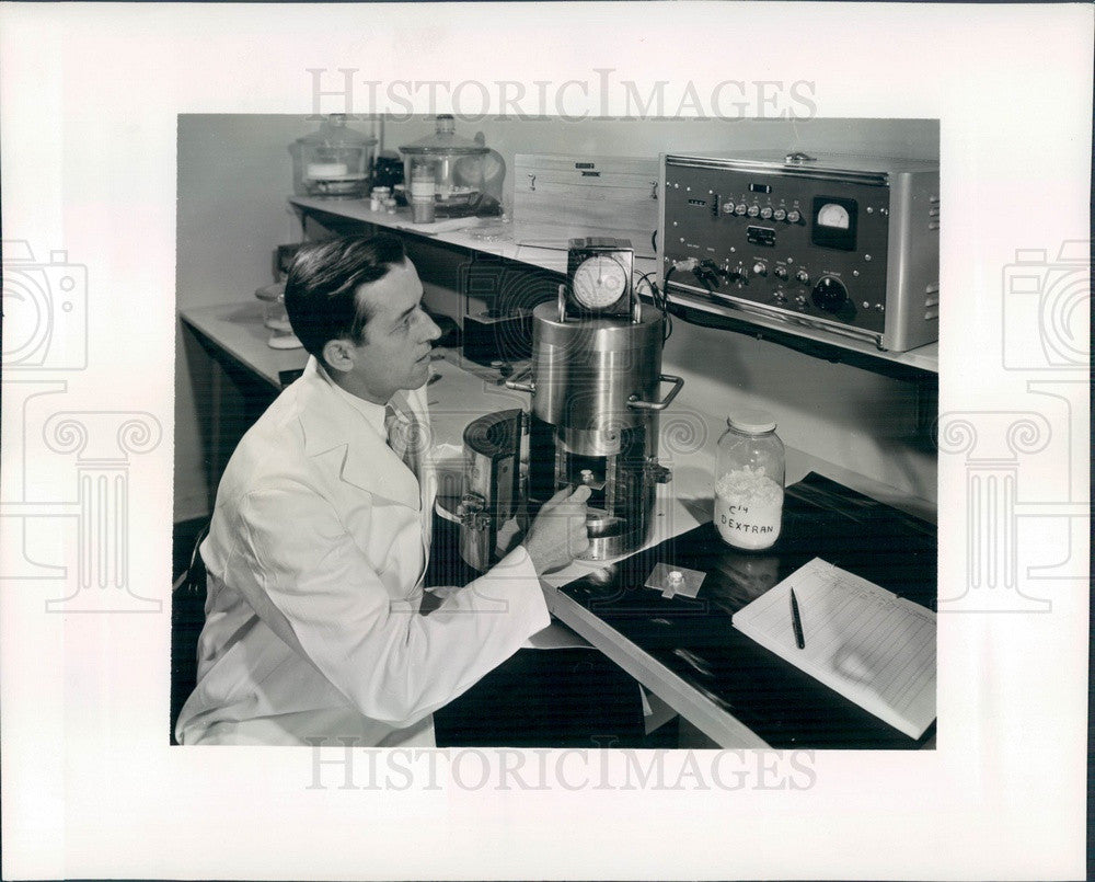 1957 Chicago, Illinois Argonne National Laboratory, Dr. NJ Scully Press Photo - Historic Images
