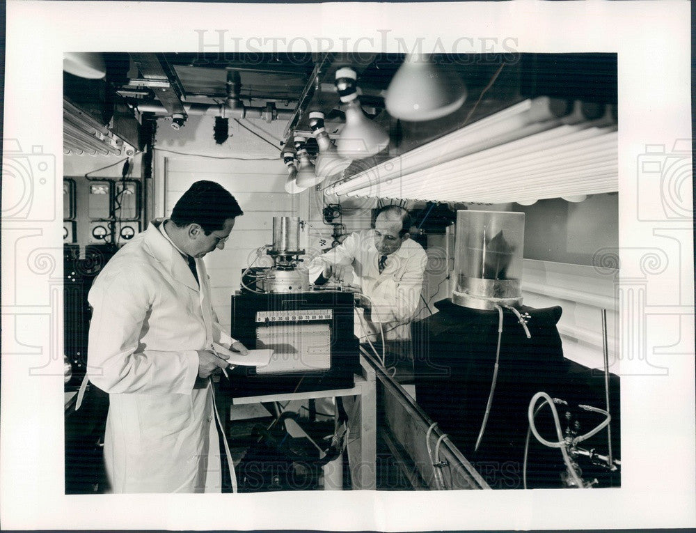 Undated Chicago, Illinois Argonne National Laboratory, Dr John Skok Press Photo - Historic Images