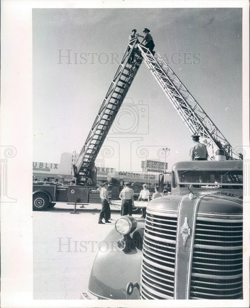 1969 St Petersburg, Florida Fireman James Seabol Honored Press Photo - Historic Images