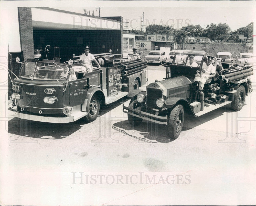 1960 St Petersburg, Florida 1928 Firetruck & New 1960 Model Press Photo - Historic Images