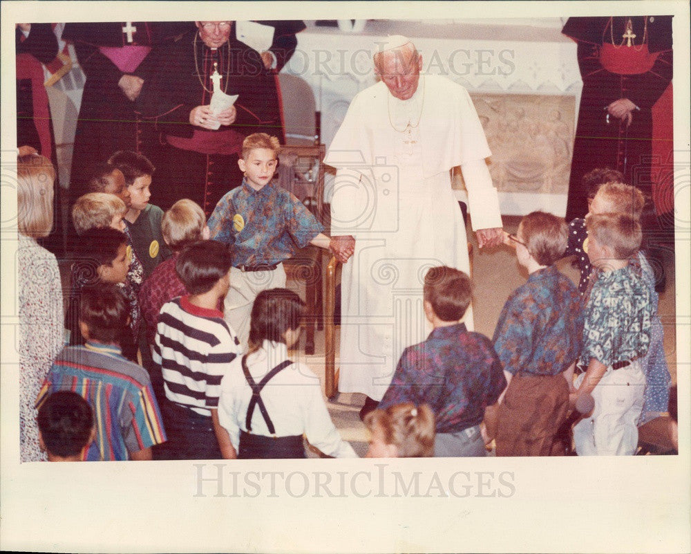 1993 Pope John Paul II at Denver, CO St Vincents Orphanage Press Photo - Historic Images