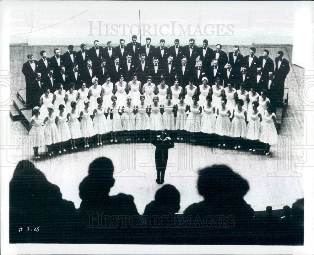 1968 Yugoslavia Branko Krsmanovich Chorus, Conductor Bogdan Babich Press Photo - Historic Images