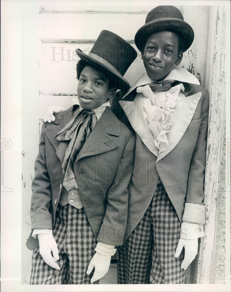 1977 Hollywood Actors Anthony Amos & Amechi Uzodinma Press Photo - Historic Images