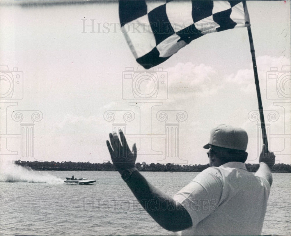 1964 St. Petersburg, FL Lake Maggiore Sweepstakes Boat Race Finish Press Photo - Historic Images