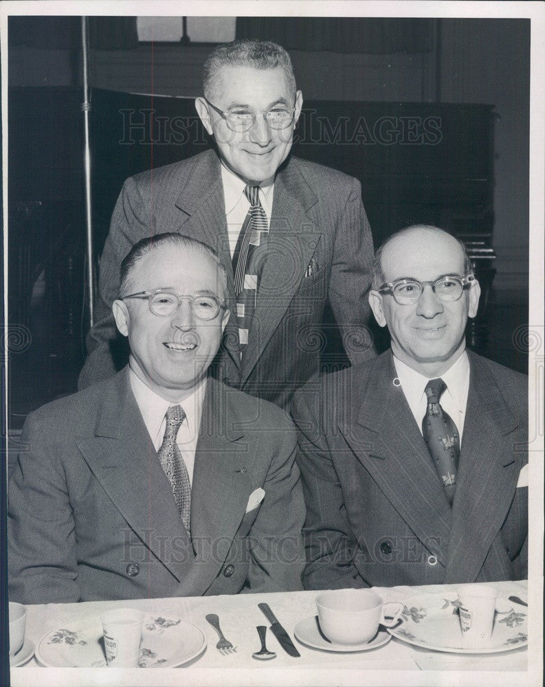 1952 Boston, MA Jewish Hospital Pres David Stern, Dr. Henry Baker Press Photo - Historic Images