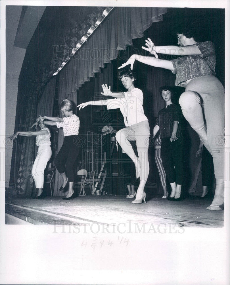 1962 Detroit, Michigan Theater Director Nancy Engel & Clair Sinnett Press Photo - Historic Images